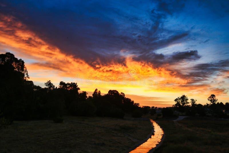 Zonsopgangland Zuidelijk Californië Moorpark stock afbeeldingen