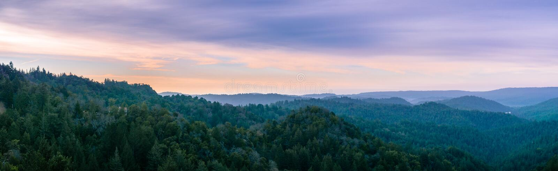 Zonsopganglandschap in Santa Cruz-bergen, Californië stock foto's
