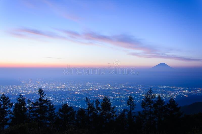 Zonsopgangmening van de Kofu-stad en MT fuji royalty-vrije stock foto's