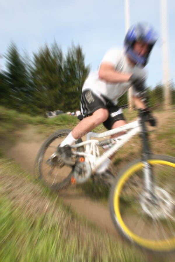 Zoom 16 de la bici de montaña fotos de archivo libres de regalías