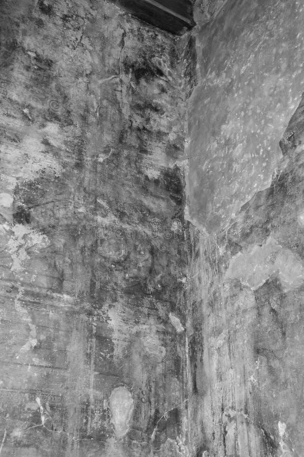 In zoomar hörnet i ett gammalt hus arkivbild
