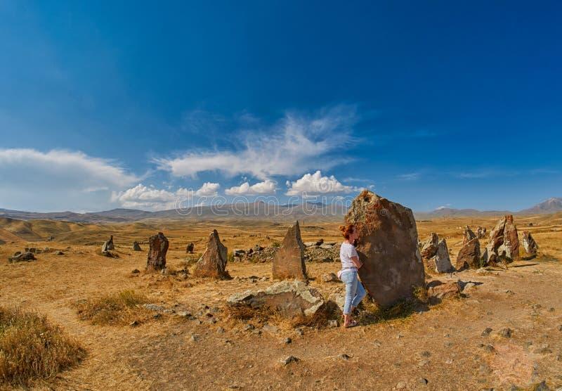 Zorats Karer Carahunge - доисторическое каменное место пирамид в Ar стоковые фото