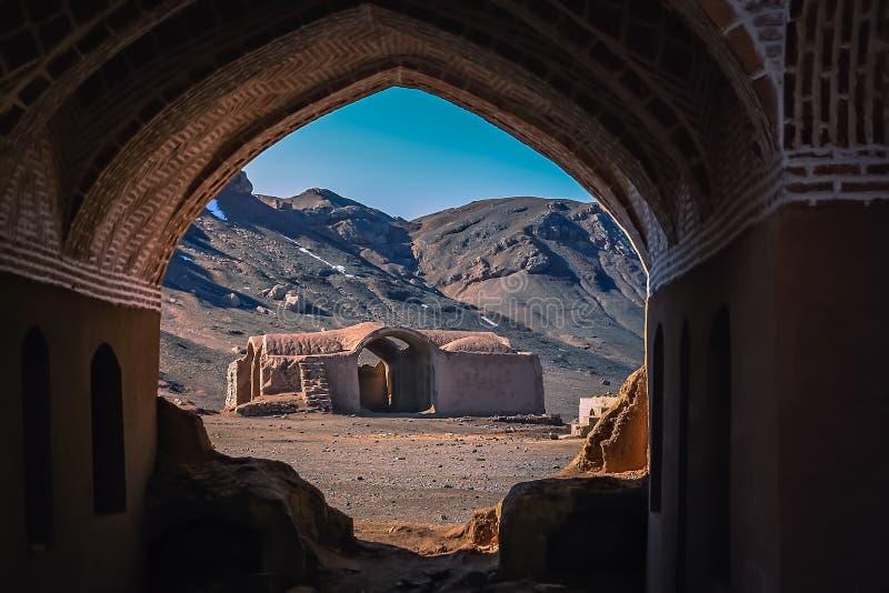 Zoroastrianbrandtemplet fördärvar arkivfoto