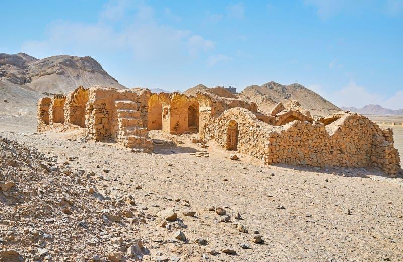 Zoroastrianbyggnader i den persiska öknen, Yazd, Iran arkivfoton