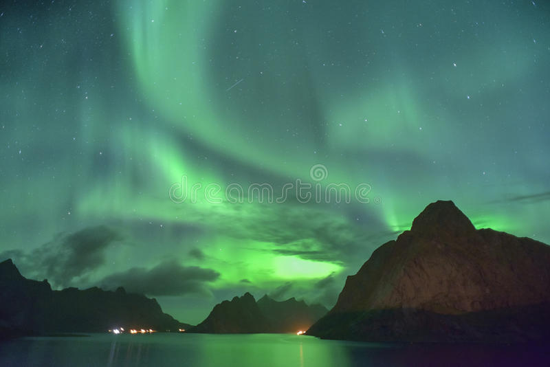 Zorza Borealis & x28; północny lights& x29; od Lofoten, Norwegia zdjęcie stock