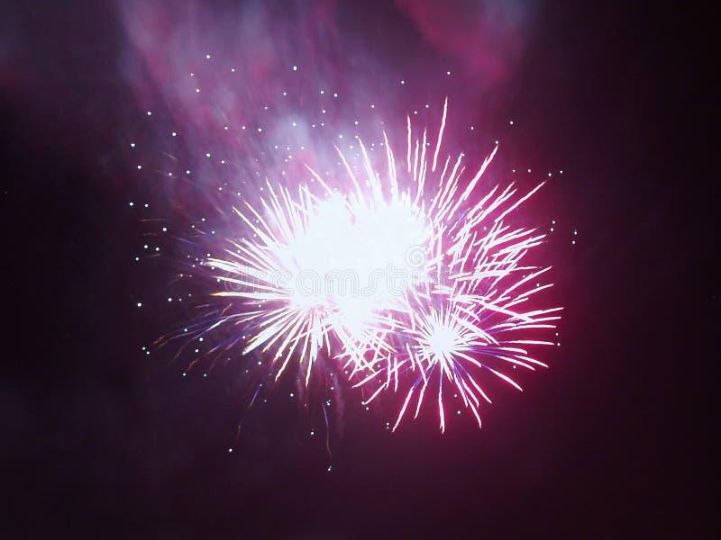 Download Zorza polarna wybuchnąć zdjęcie stock. Obraz złożonej z świętowanie - 138430