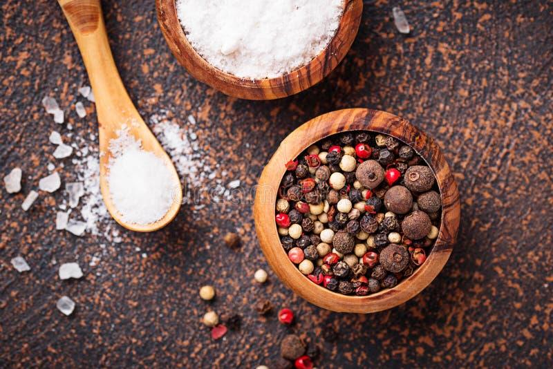 Download Zout En Peper Culinaire Achtergrond Stock Foto - Afbeelding bestaande uit voedsel, kruid: 114226768