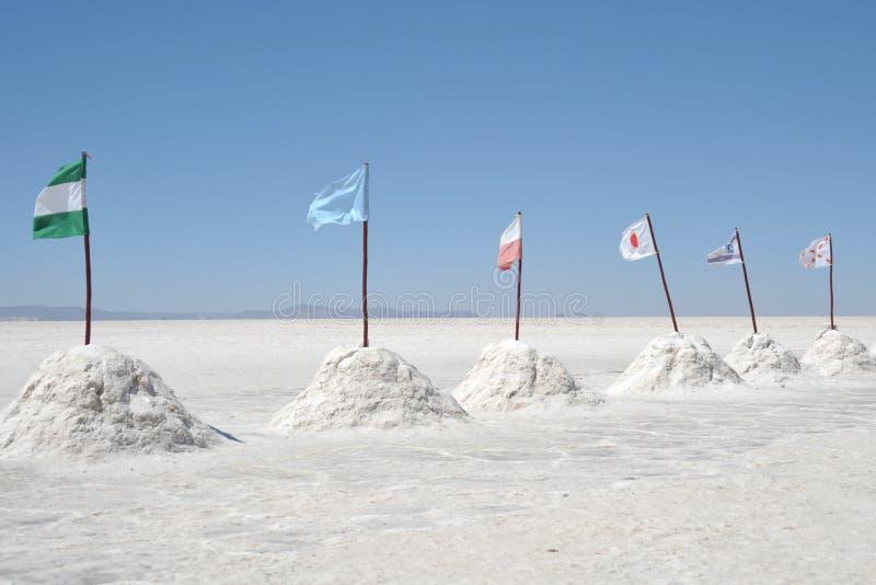 Zout hotel voor toeristen op de zoute vlakten van Uyuni royalty-vrije stock fotografie