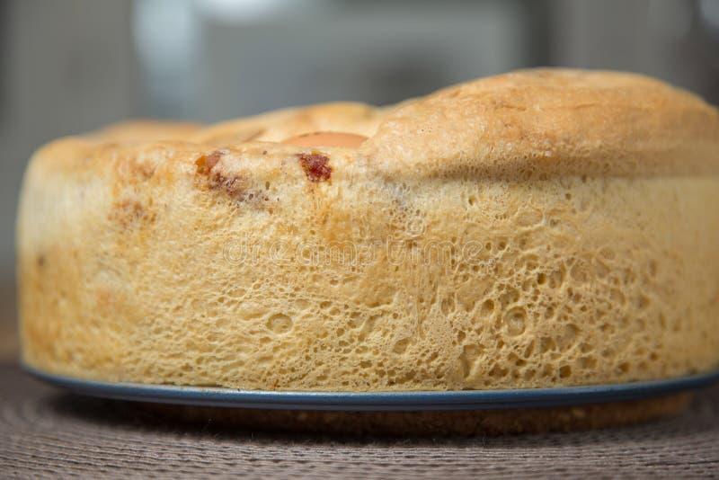 Zoute Cake: Tortano Napoletano o Casatiello royalty-vrije stock fotografie