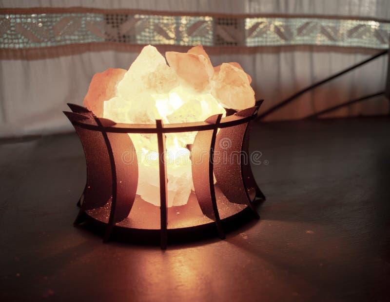 Zoute lamp voor binnen stock afbeeldingen