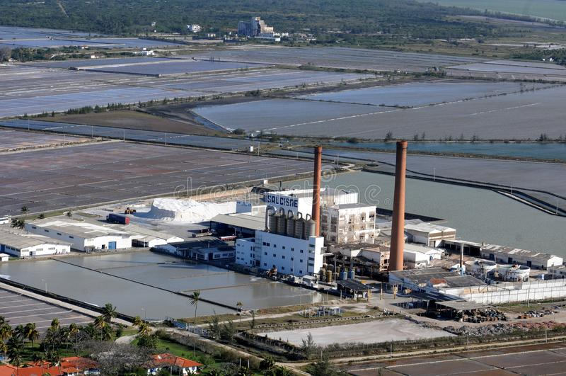 Zoute raffinaderij stock afbeelding