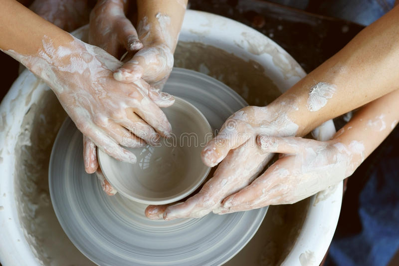 zrób garncarstwu ręce zdjęcie royalty free