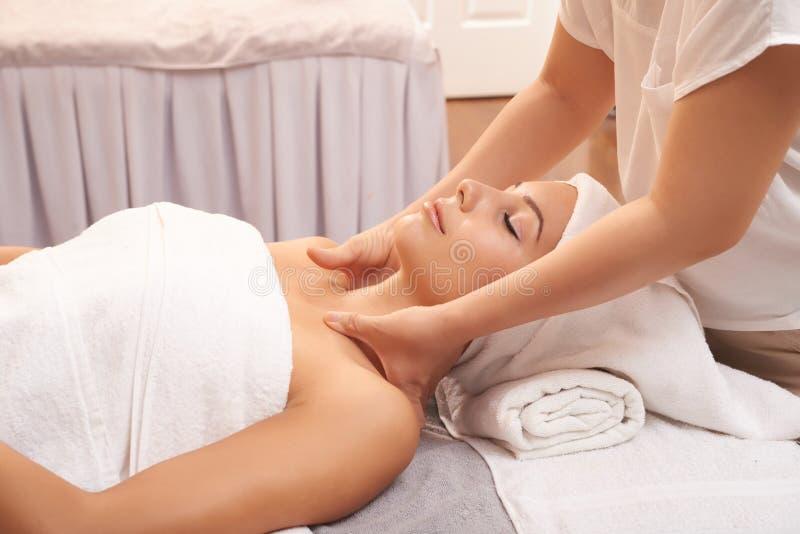 zrelaksować masaż fotografia stock