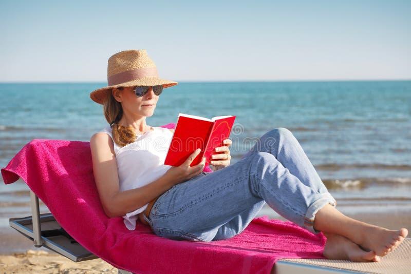 zrelaksować na plaży zdjęcie royalty free