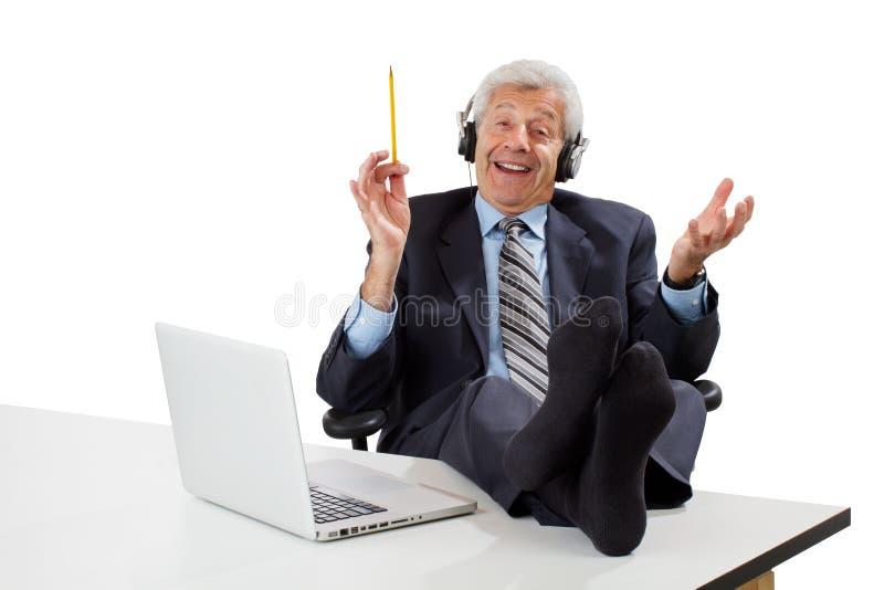 Zrelaksowany starszy biznesowy mężczyzna pomysły obraz stock