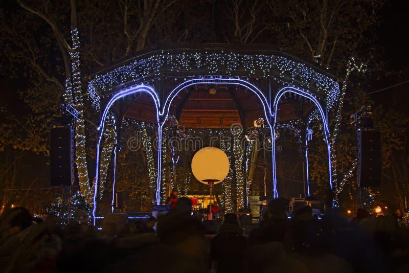 Zrinjevac park dekorował bożonarodzeniowe światła jako część adwentu mnie zdjęcia stock