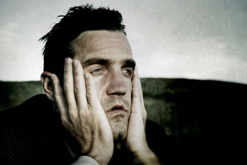 Zrozpaczonego biznesmena niepowodzenia Osamotniony Stresujący pojęcie zdjęcia royalty free