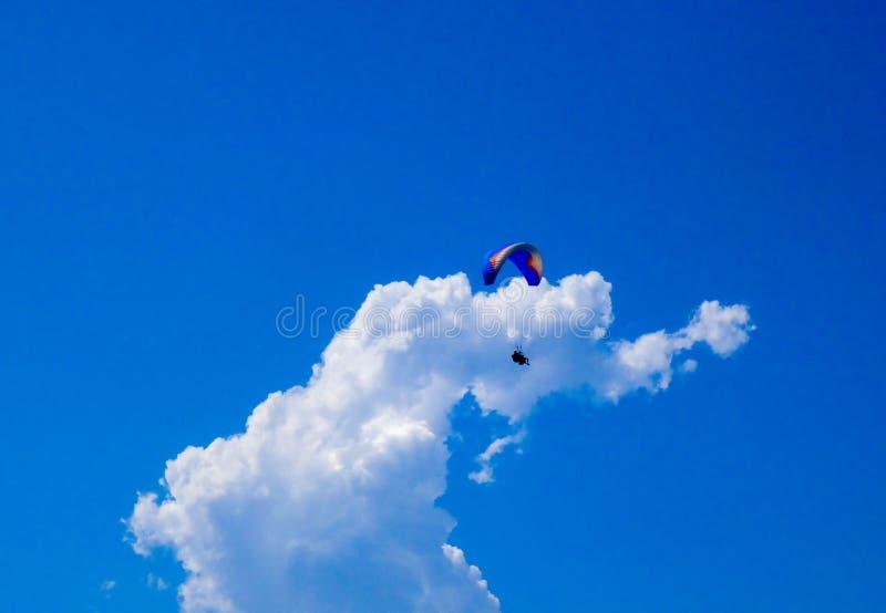 Zrozumienie szybowa latanie wewnątrz chmury fotografia royalty free