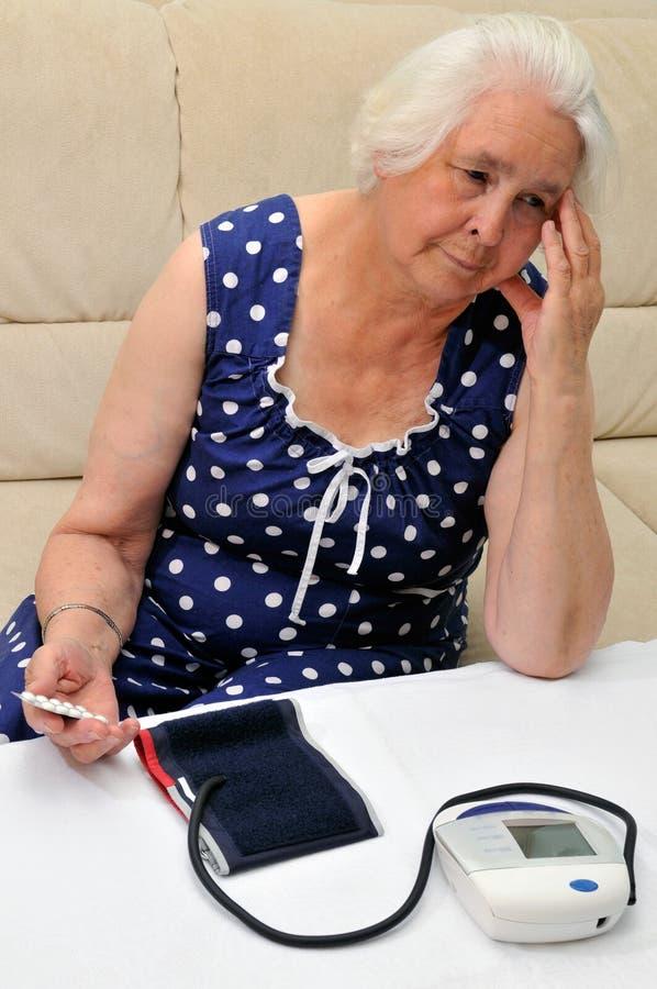 Zu hoher Blutdruck stockfotos