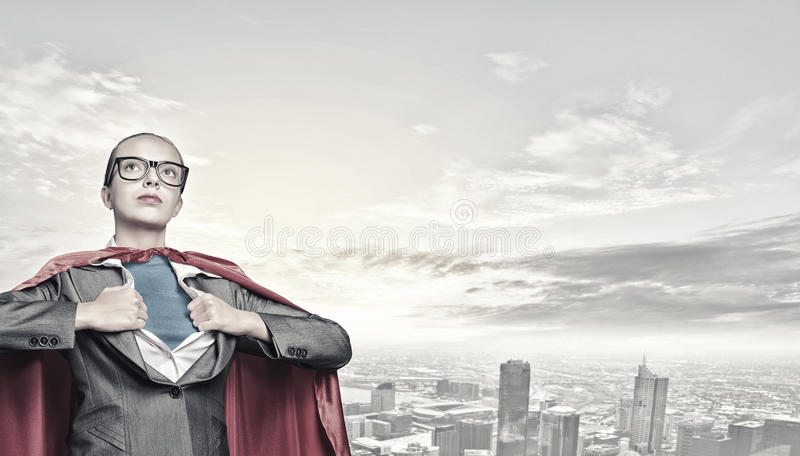 Zu Superfrauennehmenstärke sein lizenzfreies stockfoto