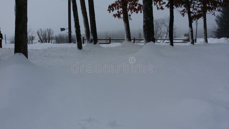 Zu viel Schnee stockbilder