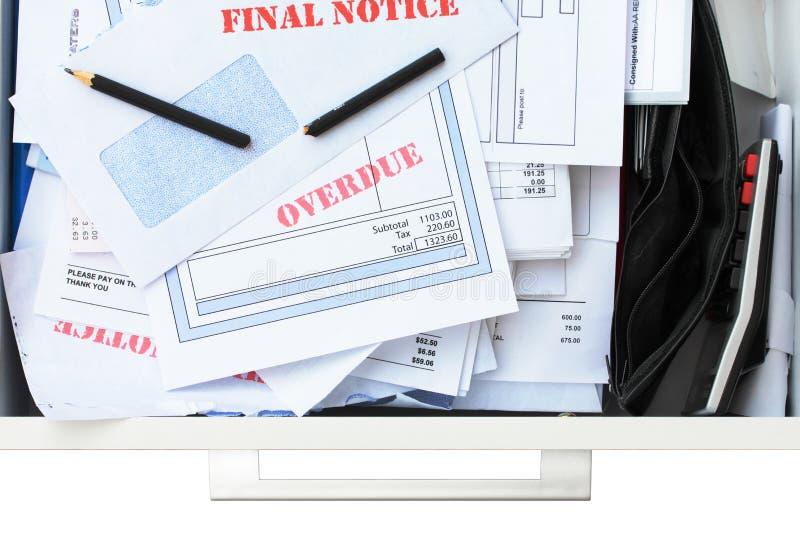Zu viele Rechnungen nicht genügend Geld lizenzfreies stockfoto