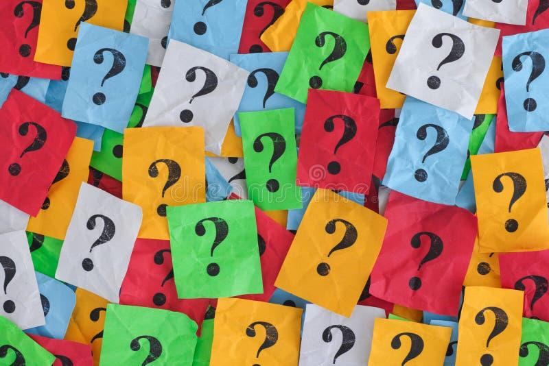 Zu viele schwierigen Entscheidungen Zu viele Fragen stockbild
