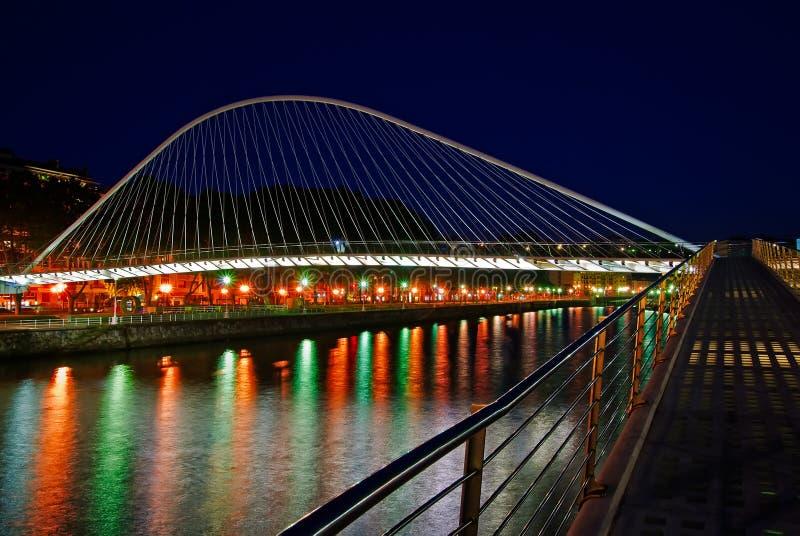 Zubizuri Brücke, Euskadi, Spanien lizenzfreies stockfoto