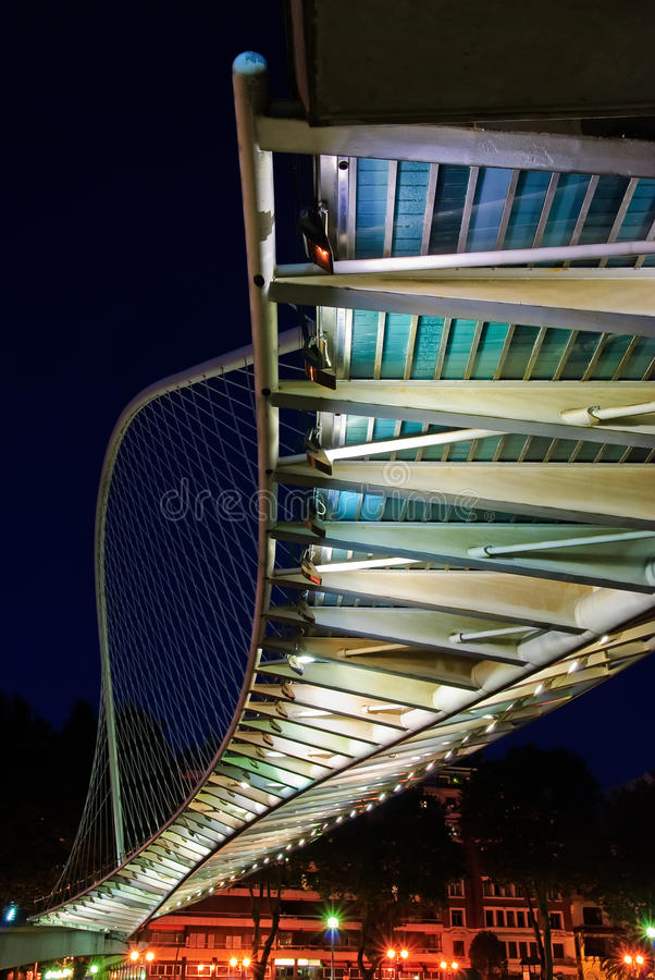Zubizuri Brücke, Euskadi, Spanien lizenzfreies stockbild
