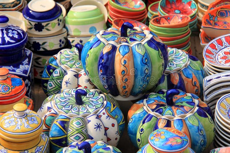 Zucca ceramica variopinta (fatta a mano) immagine stock libera da diritti