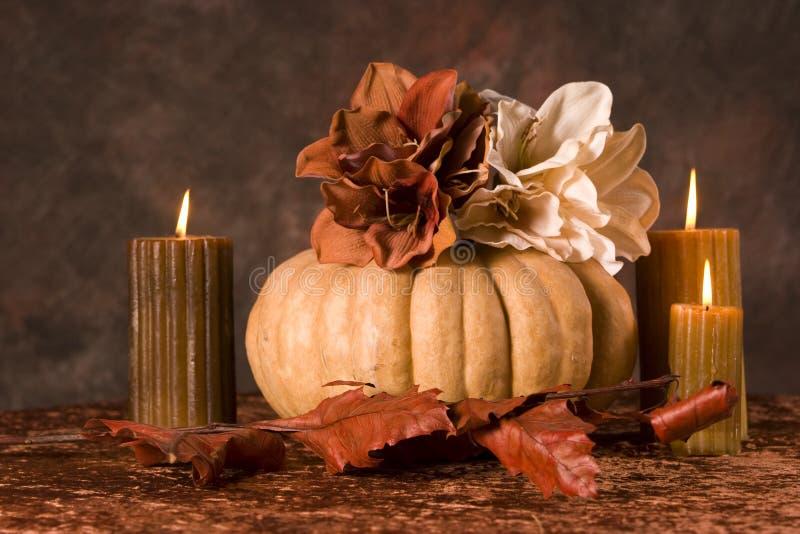 Zucca e candele immagini stock libere da diritti