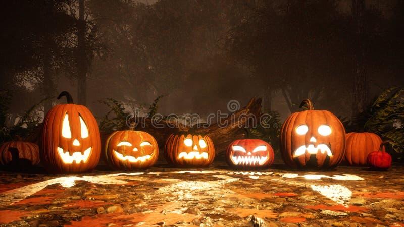 Zucche scolpite di Halloween nella foresta di autunno al crepuscolo immagini stock