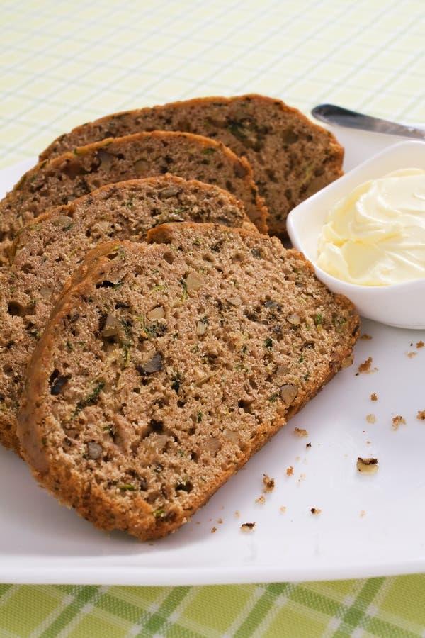 Zucchini-Brot-Scheiben lizenzfreies stockfoto