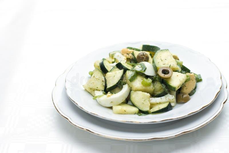 zucchini för äggolivgrönsallad royaltyfri bild