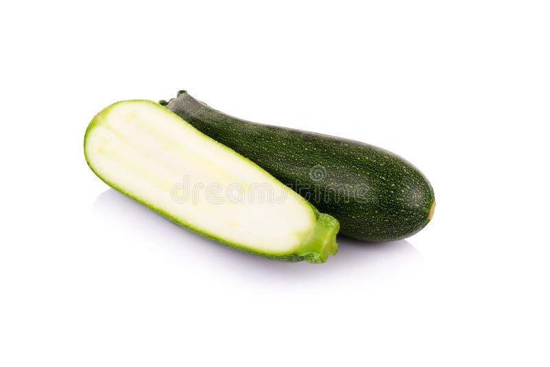 Download Zucchini Fresco Isolato Su Bianco Fotografia Stock - Immagine di bianco, vegetariano: 56875600