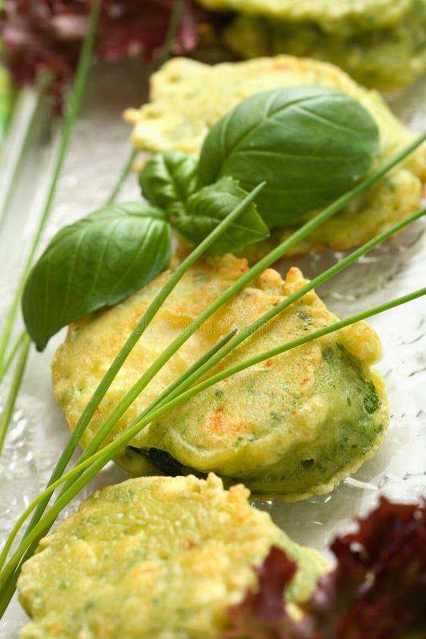 zucchini grillade skivor arkivfoton