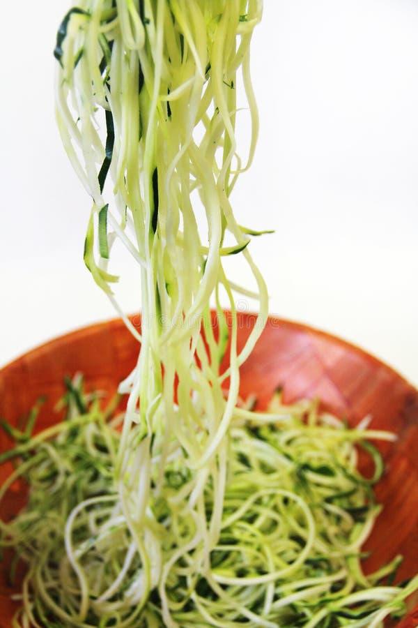 Zucchini kluski w pucharu vertical zdjęcia stock