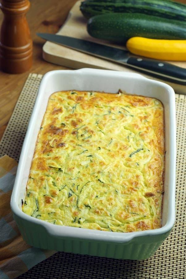 Zucchini- och fetasouffle royaltyfria bilder