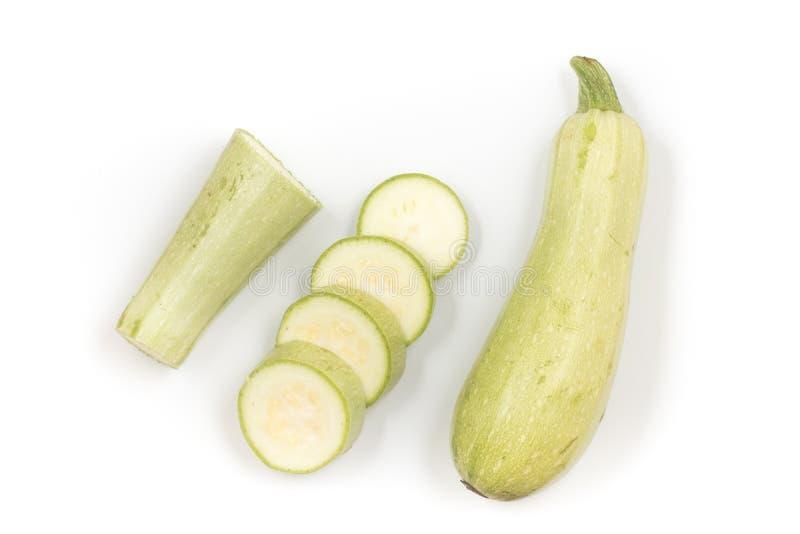 Zucchini som in skivas runda stycken Top besk?dar royaltyfria foton