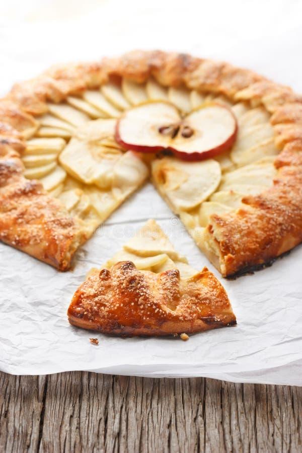 Download Zuckerapfelkuchen. stockbild. Bild von geschnitten, apfel - 27725803