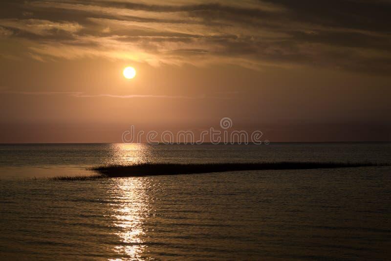Zuerst Treffen-Sonnenuntergang stockbilder
