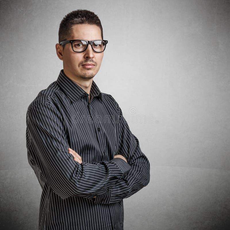 Zufälliger junger Geschäftsmann lizenzfreie stockfotografie