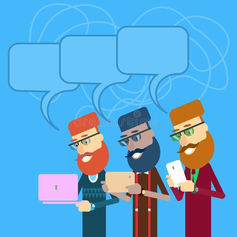 Zufälliges Geschäft Man Group halten Laptop, Tablet-Computer, Zellintelligenter Telefon-Satz mit Chat-Blase lizenzfreie abbildung