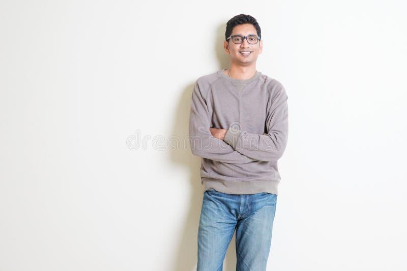 Zufälliges indisches Mannporträt lizenzfreie stockbilder