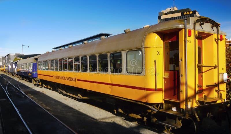 Download Zug, Bahnhof, Neuseeland redaktionelles stockfoto. Bild von reise - 96926198
