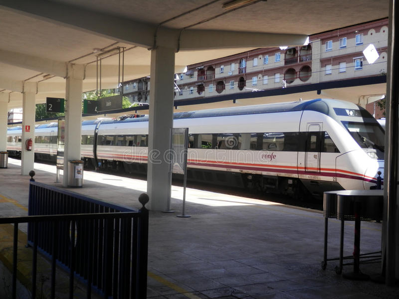 Zug an Jaen-Station stockbilder