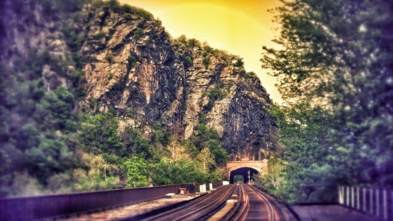 Zug-Tunnel stockbilder