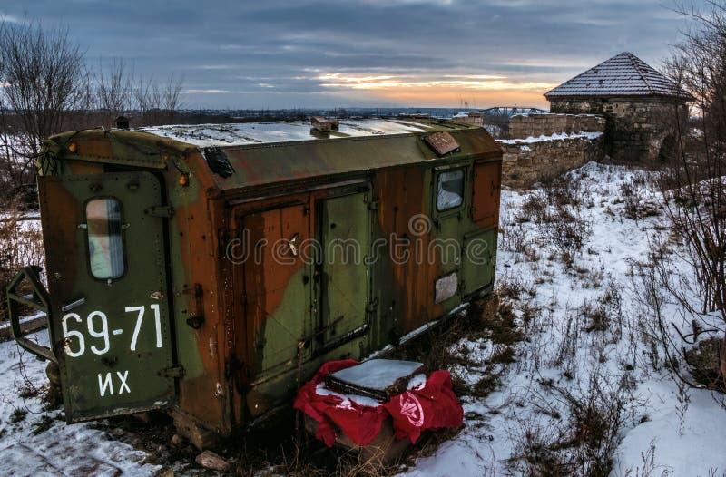 Zug-Wagen auf dem Schnee stockbilder