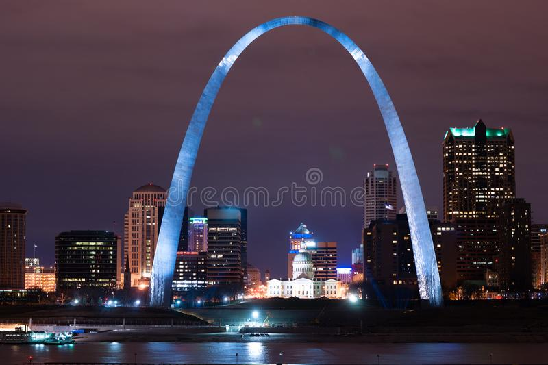 Zugang zum Westst. Louis Arch Missouri Monument stockfotos