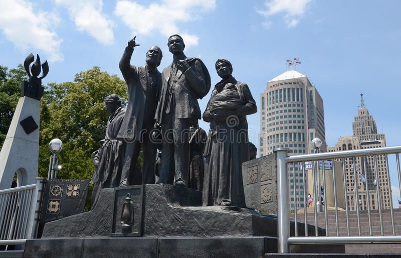 Zugang zur Freiheitsskulptur in Hart Plaza, Detroit stockbild